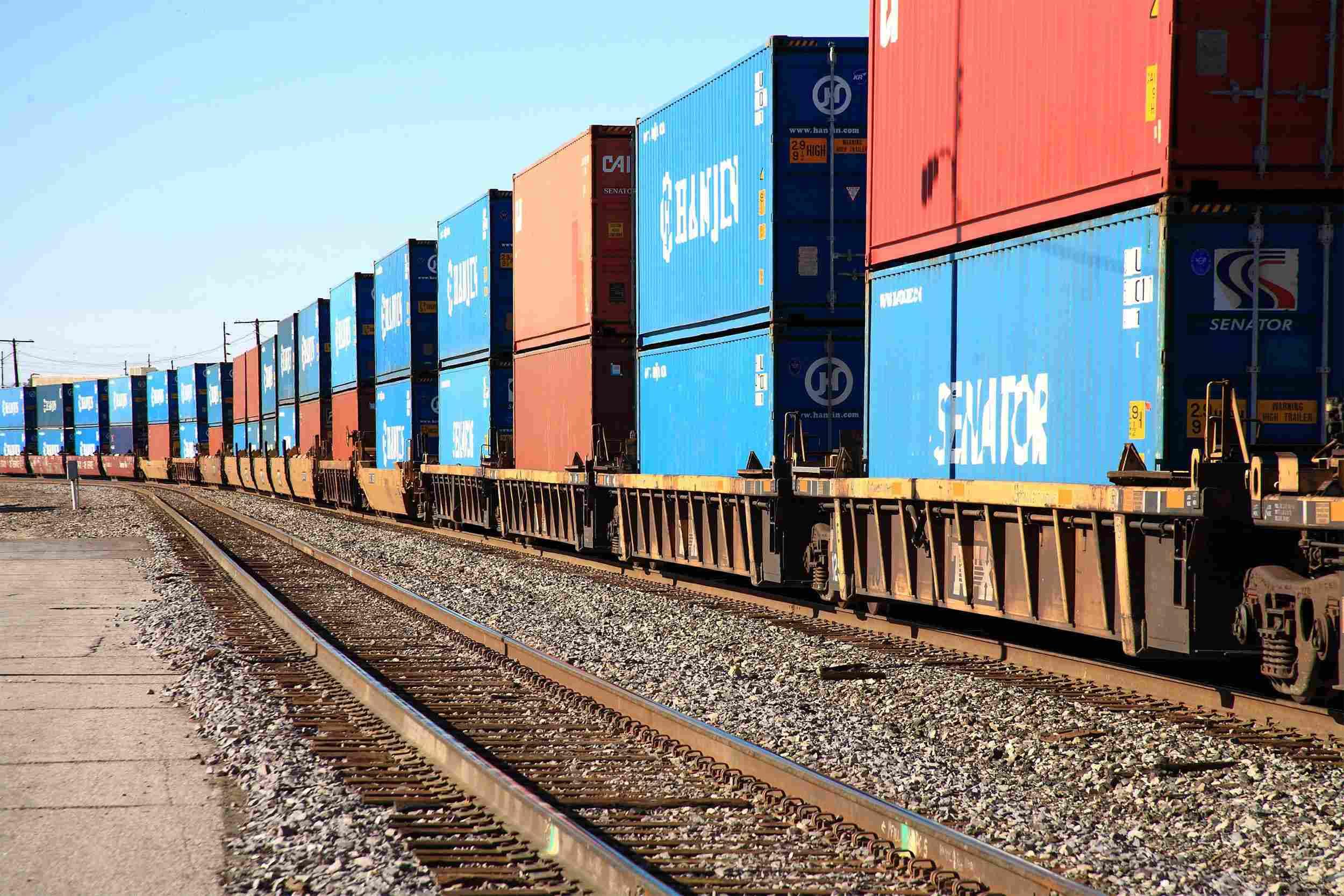 https://speed-trust.com/wp-content/uploads/2015/09/Rail-transport-2.jpg