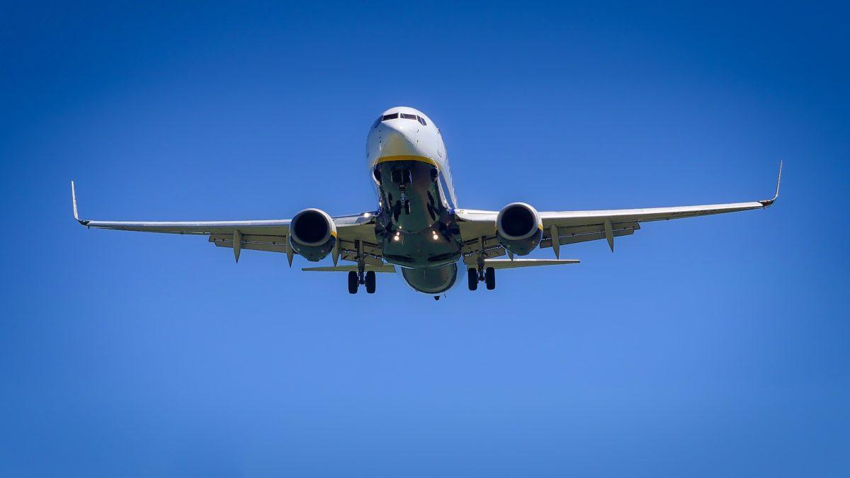 aircraft-3075056_1920-1200x675.jpg